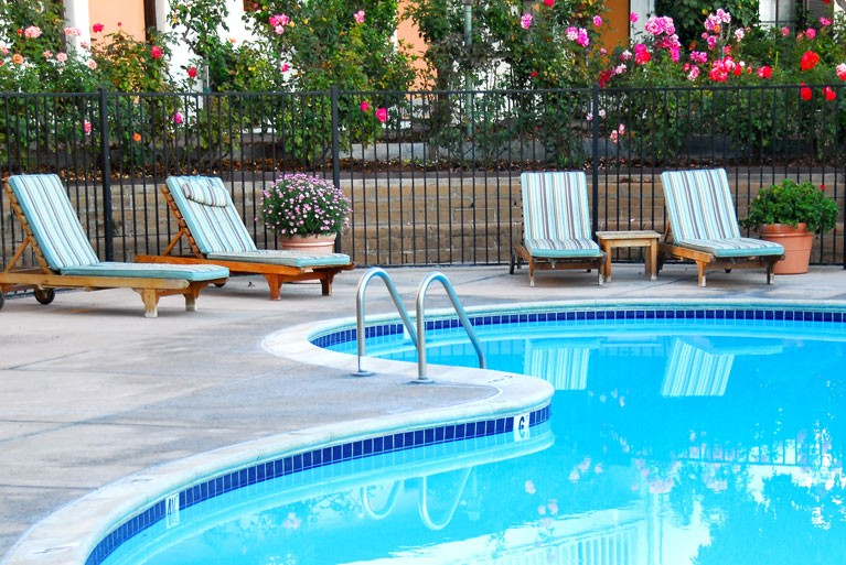 odd-things-that-affect-your-pool-water